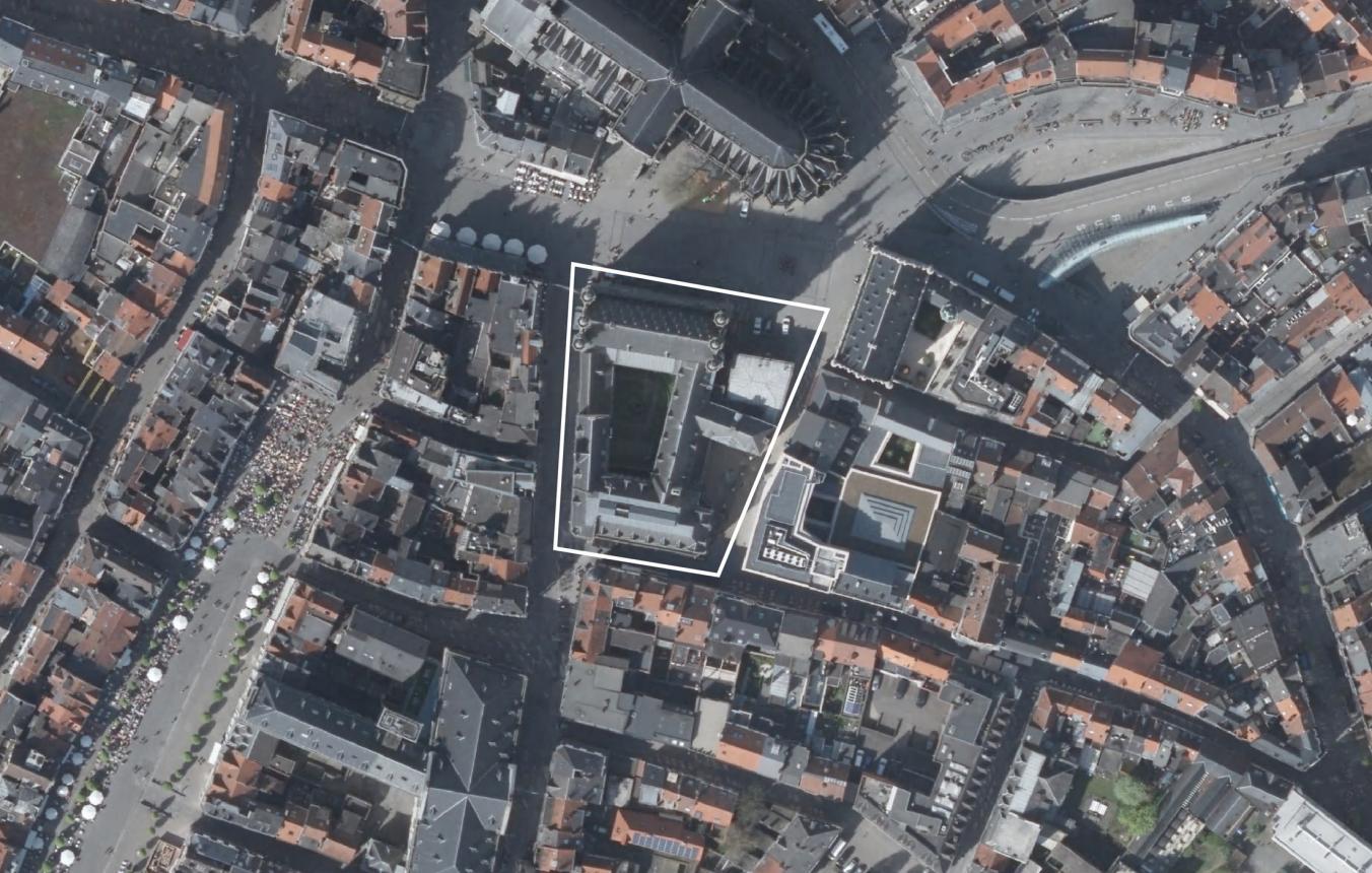 OO3703_Luchtfoto_stadhuis Leuven ©GDI-Vlaanderen