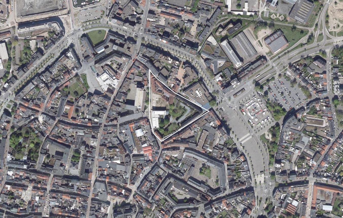 OO3406_Begijnhof Hasselt luchtfoto