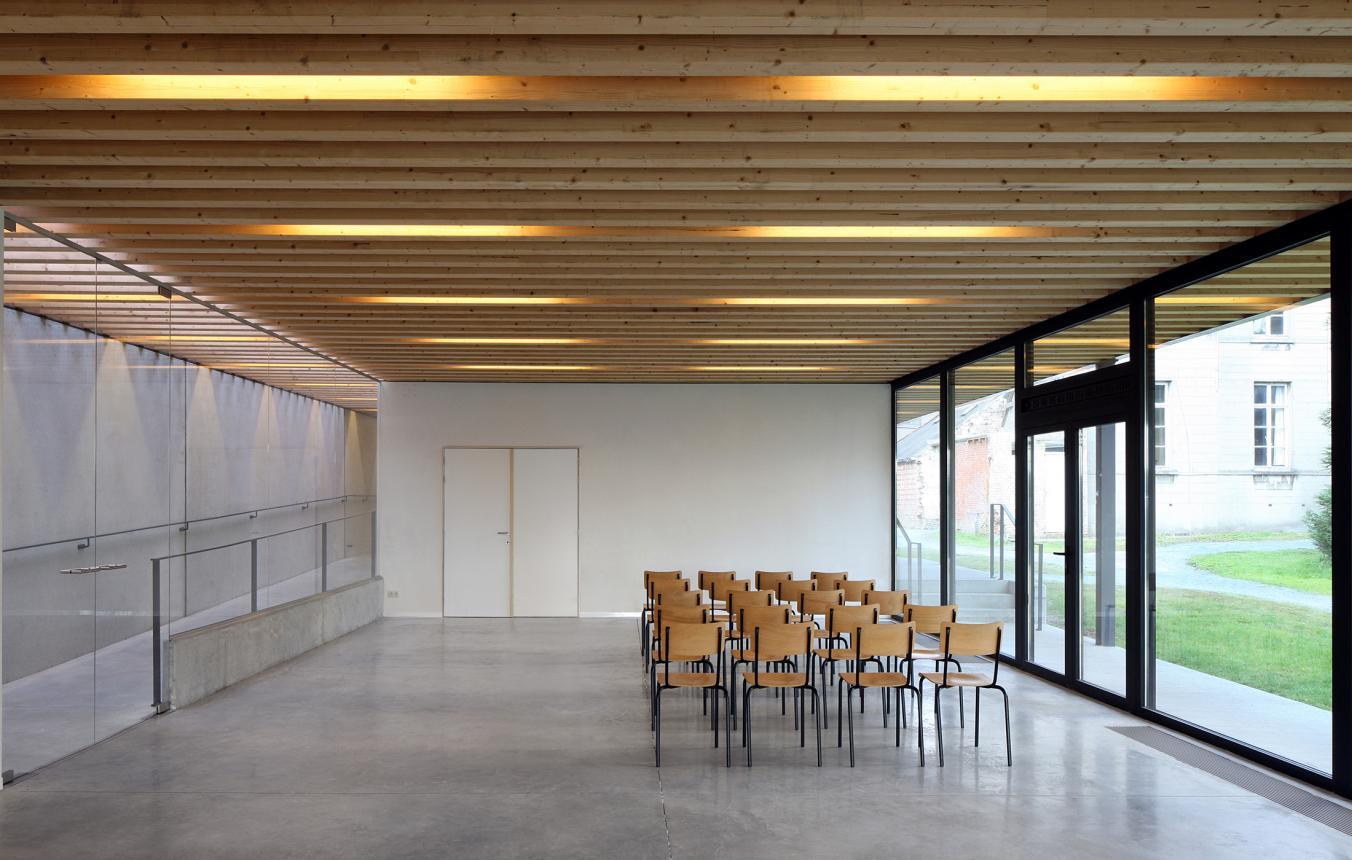 Trefcentrum Moorsel / VZW Parochiale Werken Sint-Martinus Moorsel, Stad Aalst, Kerkfabriek Sint-Martinus Moorsel ©Filip Dujardin