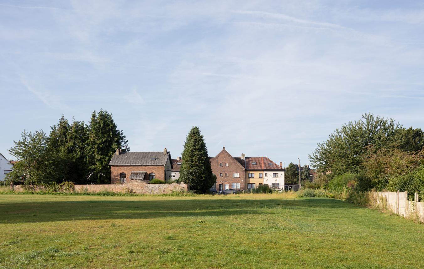 Herbestemming van voormalige camping 'Luna' naar site voor kleinschalig wonen en woonwagenterrein in Halle