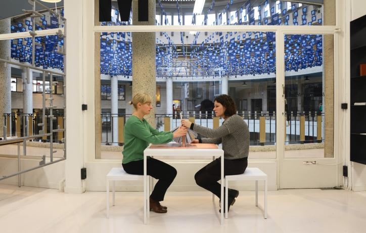 Ana Torfs, Story Generator, 2015 installatiezicht Atelier Bouwmeester, Ravensteingalerij, Brussel, 2015 © foto: Ana Torfs